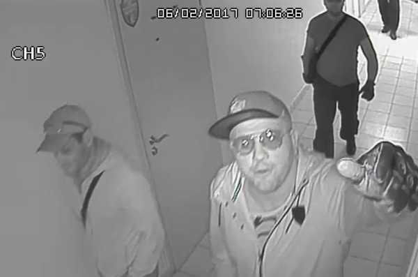 """ТД """"Дарница"""" - рейдеры ломают камеры видеонаблюдения"""