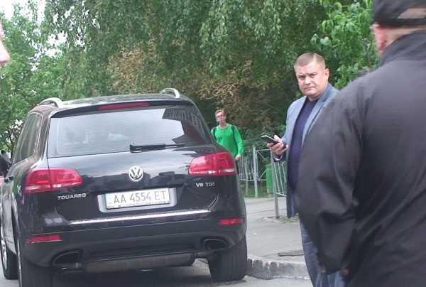 На фото Олександр Граб, радник директора КП «Київтранспарксервіс», голова Дарницької громадської варти