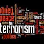 Известных добровольцев и активистов обвинили в терроризме и рэкете