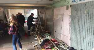 Демонтаж незаконных павильонов около метро Черниговская. Фото3
