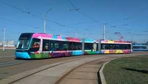 Киевский трамвай украсили портретом Лобановского. Фото