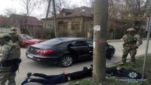 Озброєні зловмисники вимагали у мешканки Запоріжжя неіснуючого боргу2
