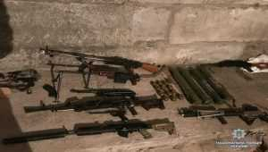 Росіянин налагодив нелегальне перевезення та збут вогнепальної зброї. Фото
