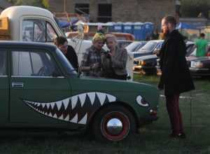 У Києві проходить фестиваль раритетних автівок. Фото