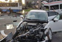 В Кривом Роге произошло смертельное ДТП с участием маршрутки и автобуса. Видео. Фото