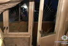 В харьковской многоэтажке неизвестные бросили взрывчатку на балкон