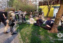 Во Львове группа злоумышленников вымогала у местного жителя 20 тыс. долларов