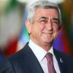 Премьер Армении выполнил требование митингующих и заявил об уходе в отставку