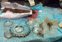 Мужчина пытался вывезти из Украины старинные украшения