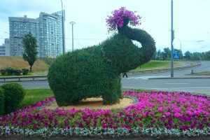 На Оболони появился необычная фигура мамонта. Фото