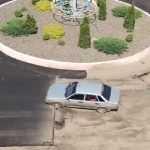 Поліція використала табельну зброю для зупинки автомобіля. Відео
