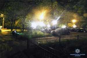 У Києві посеред вулиці зловмисник обікрав 20-річного хлопця