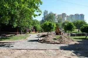 У Києві продовжуються ремонтні роботи у парку Відрадний