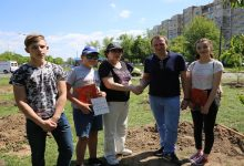 В Киеве на месте свалки обустроили садок вишневый