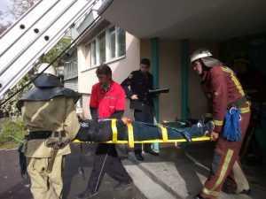 В Кировоградской области из окна пятиэтажки выпал мужчина. Фото