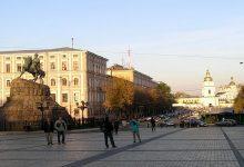 КГГА решила ограничить движение автотранспорта около Софийской площади