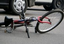 На Харківщині водій автівки скоїв наїзд на велосипедистів, загинула жінка