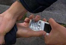 У Києві 42-річний зловмисник відбирав мобільні телефони у студентів