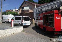 В Голосеевском районе неизвестный выстрелил из гранатомета в ритуальное бюро. Фото