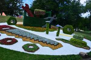 В Киеве началась новая летняя выставка цветов Мир Великанов