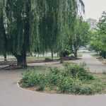В Киеве продолжают реконструировать сквер по улице Чернобыльской