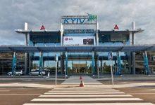 Из-за сильных дождей и ветра в аэропорту Жуляны отменили большинство авиарейсов