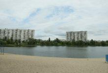 Жителям Киева временно не рекомендуют купаться на трех городских пляжах