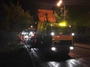 У Києві дороги ремонтують цілодобово