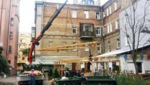 У центрі міста продовжують зносити всі самовільно встановлені споруди