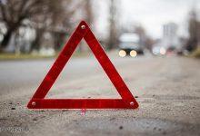 В Киеве девушка врезалась в автомобиль и несколько раз перевернулась