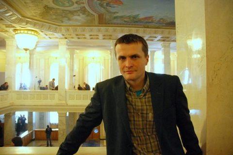 Игорь Луценко прикрывает профессиональных аферистов. Рассказ о всепоглощающей жадности и невероятной глупости.