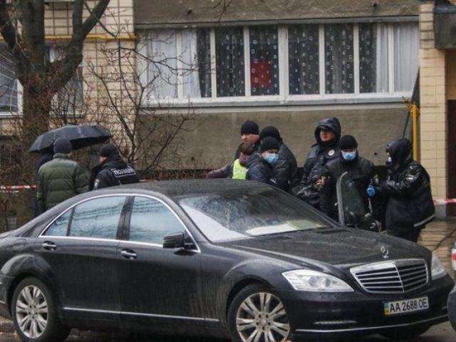 В Киеве полицейский застрелил водителя Мерседес