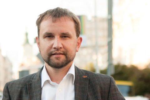 Киевский суд отменил решение о переименовании проспектов Бандеры и Шухевича