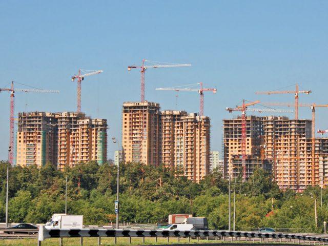 В Киеве планируют заморозить все строительные работы