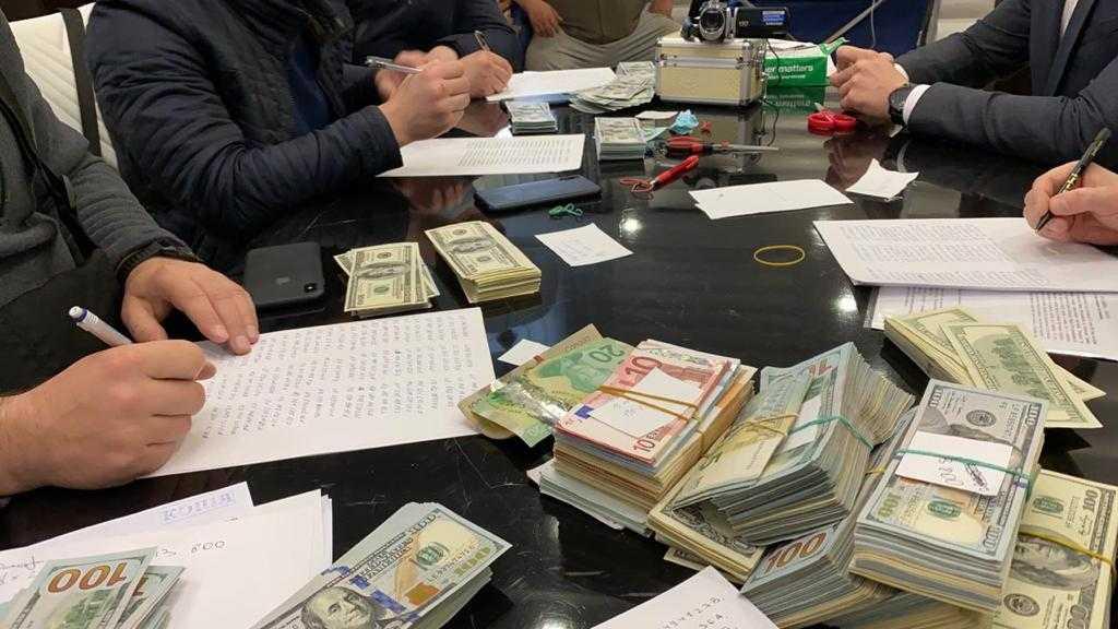 Война за Киев. Зачем СБУ приходила в дом Кличко и чего добивается Зеленский